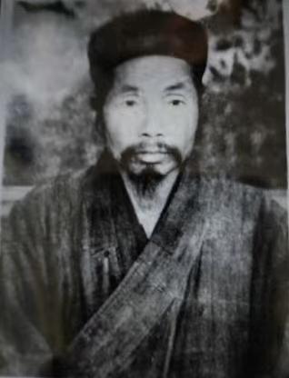 著名道医王圆光真人和他弟子贾喆成大师