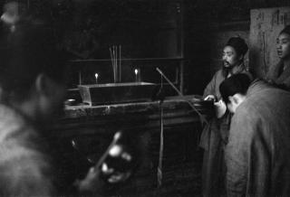 解放时期青羊宫道士做法事的老照片