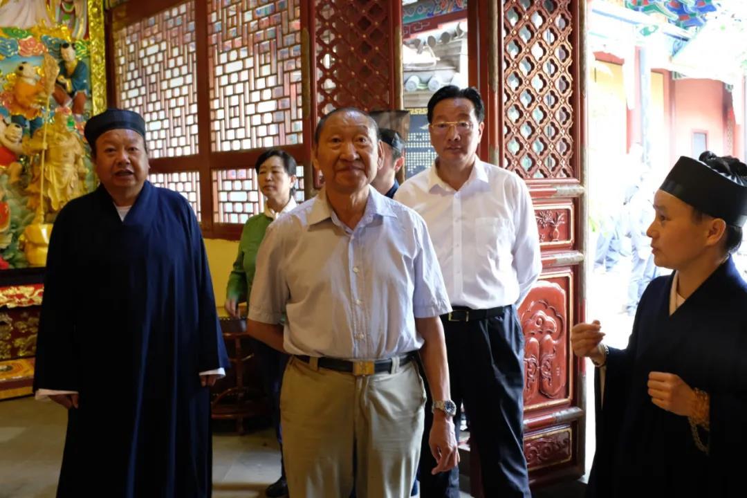 宗教委员会副主任罗正富就坚持我国宗教中国化方向莅临昆明市道教协会、真庆观调研指导